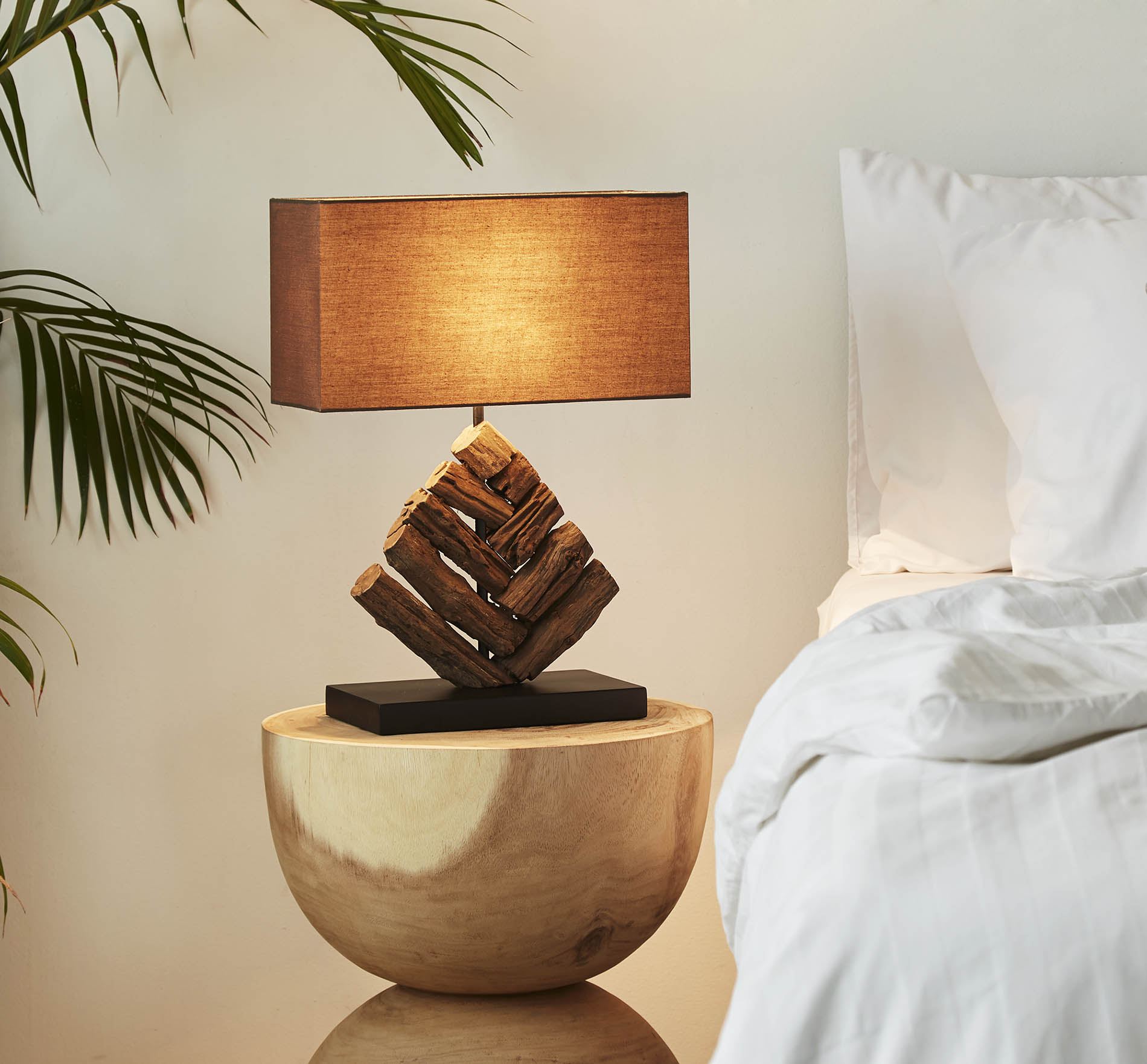 King Mai Sak pattern table lamp product photo #2